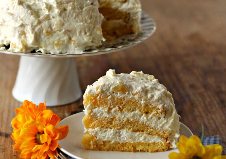 cake made with mandarin oranges and pineapple