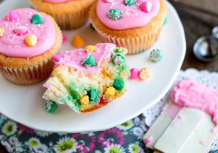 cupcakes with mint chips